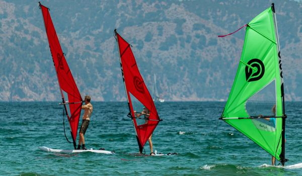 Refresh and Refine<br>Windsurfing Course windsurf